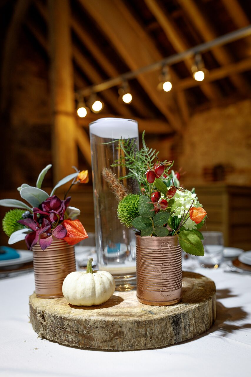 Vase and log centrepiece