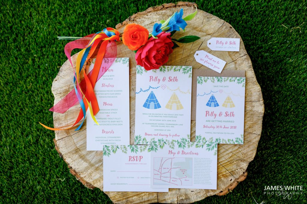 recycled-paper-invites-paper-flower-bouquet