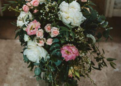 bride-bouquet-natural-Wild-Wedding-Company-planner-Sherbourne
